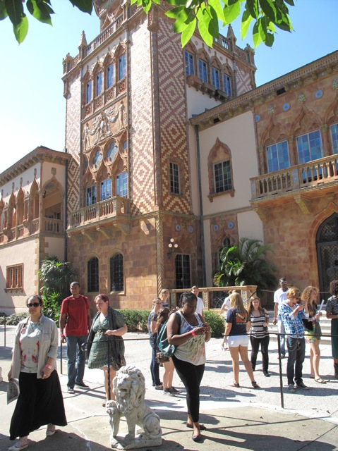 Outside of the Ca' d'Zan , the John and Mable Ringling Home