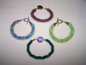 022-4-kumi-bracelets-closed