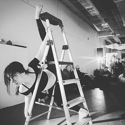 Huisi He in ladder